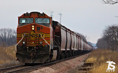 DPU on EB G844 Grain Train Ackley, IA 12-22-18 (KansasScanner) Tags: iowafalls ackley austinville iowa cn bnsf up train railroad