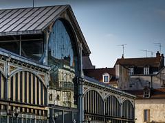 Reflet (Lucille-bs) Tags: europe france bourgogne bourgognefranche comté côtedor dijon halles reflet architecture marché couvert ville city