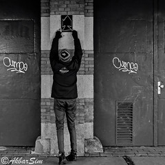FEMOESA (Akbar Simonse) Tags: denhaag thehague agga sgravenhage holland netherlands nederland paysbas streetphotography streetshot straatfotografie straatfoto straat urban people candid streetart tags cums akbarsimonse artistatwork graffiti bw nb zwartwit square vierkant squareformat blackandwhite blancetnoir femoesa