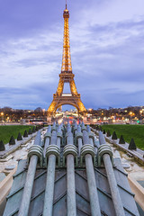Tour Eiffel (romain.roussel) Tags: paris tour eiffel tower night blue hour gold france city landscape photo monument architecture