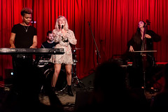 Madison Malone 11/14/2018 #35 (jus10h) Tags: madisonmalone hotelcafe hollywood losangeles california live music concert gig show event performance venue photography female singer songwriter beautiful young 2018 november 14 wednesday nikon d610 justinhiguchi