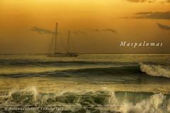 Maspalomas (Fotomanufaktur.lb) Tags: ocean sailboat waves morning sunset sonennaufgang wellen segelboot morgen