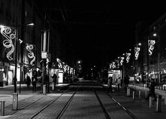 Vías del tranvía 2 (Garimba Rekords) Tags: blancoynegro bn edificios vitoria gasteiz vitoriagasteiz eh euskadi euskalherria basque country pais vasco araba álava noche calle