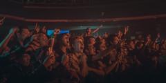 El encanto de una banda (Laurita Church) Tags: live concert fan people vivo show rock recital gente music erucasativa teatroflores flores buenosaires argentina canon 70d