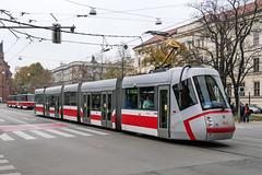 BRN_1922_201811 (Tram Photos) Tags: skoda škoda 13t brno brünn strasenbahn tram tramway tramvaj tramwaj mhd šalina dopravnípodnikměstabrna dpmb