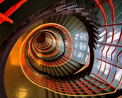 Blick in die Tiefe (petra.foto busy busy busy) Tags: treppenhaus stairs fotopetra 5dmarkiii hinab around treppe hamburg germany kontorhaus sprinkenhof