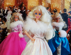 Happy Birthday Barbie doll 1995, Winter Velvet Barbie, Sun Jewel Barbie dolls (alenamorimo) Tags: barbie barbiedoll dolls superstar barbiecollector holidays