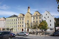 Burghausen: Institut der Englischen Fräulein, heute Maria-Ward-Realschule (Helgoland01) Tags: burghausen bayern deutschland germany oberbayern kirche church schule school