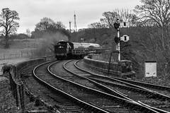 2857 approaching Bewdley south box.jpg (Bob Green 52) Tags: svr severnvalleyrailway bewdley worcestershire railway rails