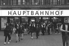 Düsseldorf Hbf 2016-04-03 (Michael Erhardsson) Tags: düsseldorf hbf hauptbahnhof station tysklnad deutschland germany 2016 april resa