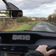 022 2019 shopping in Fairford (Margaret Stranks) Tags: 022365 365days 2019 car stationary road quenington mirror