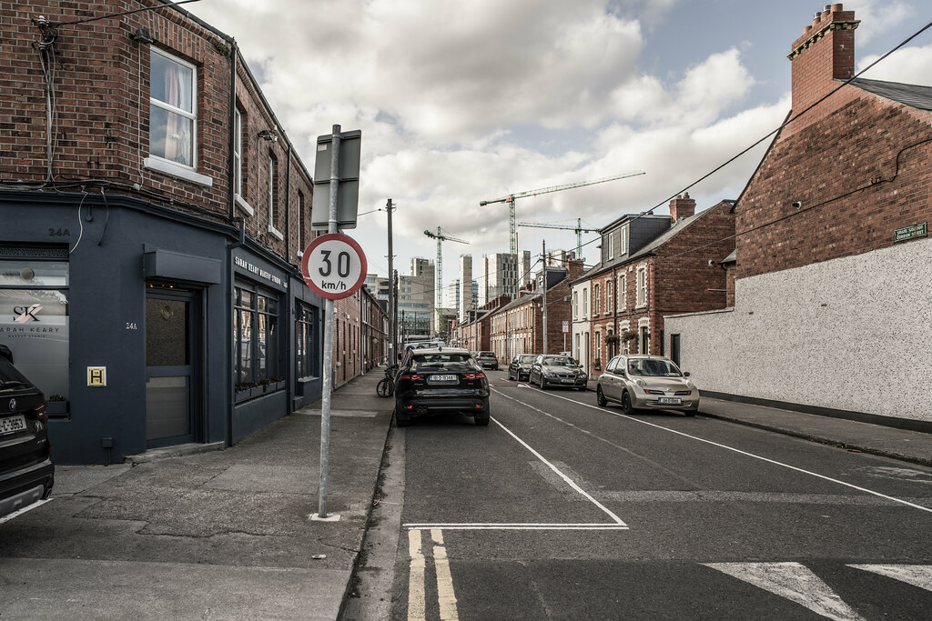 GORDON STREET [OFF SOUTH LOTTS ROAD IN DUBLIN]-145992