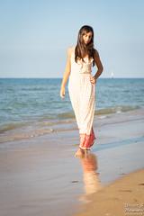 Lena (Vincent-s Photographe) Tags: exterieur mer plage sand beach beautiful brune brunette cute jolie mignonne normandie normandy outdoor outside pretty sable sea model modele reflet reflection eau water