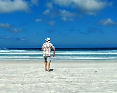 ao mar! (lucia yunes) Tags: arraialdocabo praiagrande mar sol praia sun beach beauty summer mobilephotographie mobilephoto luciayunes motozplay seascape sea azul blue
