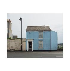 blue 32 (chrisinplymouth) Tags: house lamppost blue stonehouse plymouth devon england uk city cw69x millbay desx plymgrp