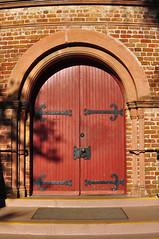 DSC_7666 (scsmitty) Tags: historic architecture charlestonsc southcarolina circularcongregationalchurch nationalregisterofhistoricplaces church door