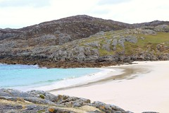 Achmelvich Beach, Scotland. (qasimhussayn) Tags: scotland achmelvich beach bay sand sea water northcoast500 northcoast coast sun outdoors ngc