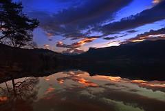November morgen -|- November morning (erlingsi) Tags: sunrise november rotevatn volda sky himmel reflection