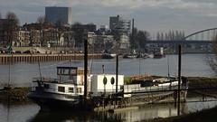 Arnhem, NL (Mado46) Tags: bxl06 mado46 arnheim arnhem niederlande nederland netherlands netherland nederrijn ship schiff brücke bridge 444v4f