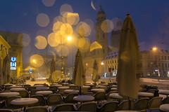 Odeonsplatz München (bayernphoto) Tags: muenchen munich winter schnee snow schneefall schneetreiben verschneit odeonsplatz blaue stunde bluehour kalt morgen morning tambosi ubahn theatinerkirche feldherrnhalle innenstadt city downtown kristalle licht strahlend