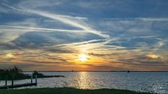 Sundogs aka parhelia (Michael Seeley) Tags: canon lakewashington melbourne mikeseeley sunset sundog