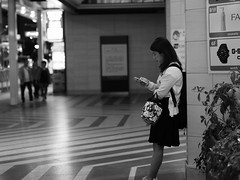 Woman! (takana1964) Tags: streetphotography snap streetsnap street snapshot streetshot citysnap citystreet city cityphotography blackandwhite bw bnw monochrome kyotocity japan olympus