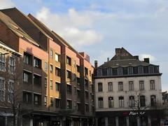 Pizza Hut and newer apartments, Place de l'Ange, Namur, Belgium (Paul McClure DC) Tags: namur namen belgium belgique wallonia wallonie ardennes feb2018 historic architecture