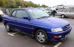 M636 BPW (1) (Nivek.Old.Gold) Tags: 1995 ford escort 18 16v si cabriolet busseys norwich eama