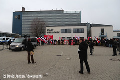 IMG_0018 (DokuRechts) Tags: npd salzgitter neonazis rechtsextremismus polizei niedersachsen nationalisten rechte aufmarsch demonstration protest jn