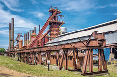 Old Iron Factory (TEIA - 台灣環境資訊協會) Tags: birmingham alabama usa old historic historical sloss pig iron steel factory furnace watertower water tower smoke stack smokestack building structure south southern industry industrial plant production metal national landmark exterior blast day view scene scenic scenery travel tourism famous coal power energy fuel manufacturing manufacture daytime place location