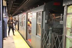 IMG_3768 (GojiMet86) Tags: mta ind nyc new york city subway train 1935 r63 1000 59th street columbus circle