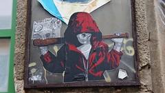 Alias_4987 Aldabertstrasse Berlin (meuh1246) Tags: streetart alias aldabertstrasse berlin enfant crâne arme capuche