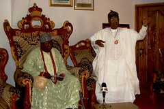 HMIC Alh. Lai Mohammed pays a courtesy visit to the Olomu of Omu-Aran , Oba Abulraheem Oladele Adeoti, and condolence visit to family of Late Brig. Gen. David Bamigboye the First Military Administrator of old Kwara State