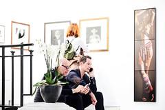 Paris Photo 2018: Getting Information (macplatti) Tags: urban ausstellung exhibition galeries gallerien besichtigung visit grandpalais xt2 xf1655mmf28rlmwr parisphoto2018 show showcase famous stars photographers famousphotographers fotografie fotografen paris iledelafrance france fra