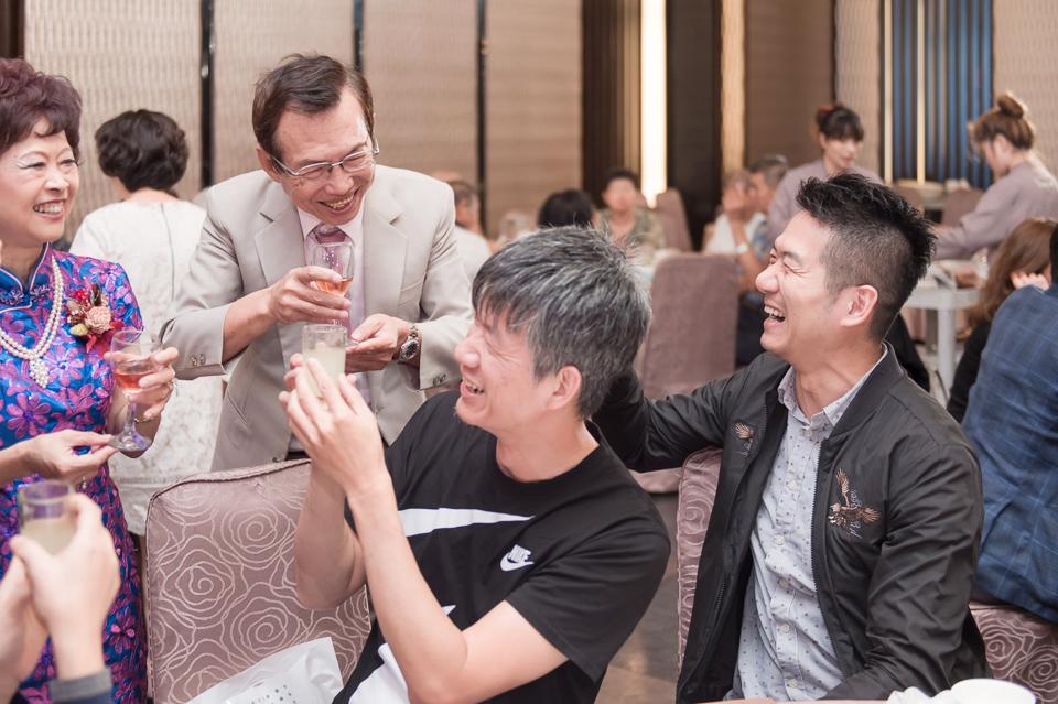 台南東東宴會式場 婚宴 走在幸福的紅毯上 R & B 158