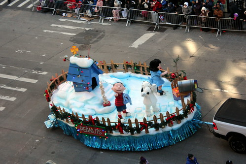 2018 Macy's Thanksgiving Day Parade - Snoopy's Doghouse
