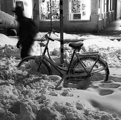 Hide And Seek (CoolMcFlash) Tags: snow winter vienna street streetphotography bike bicycle bnw bw blackandwhite canon eos 60d night person schnee wien fahrrad sw schwarzweis nacht fotografie photography citylife candid tamron b008 18270