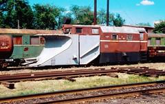 Südzufuhrbahn / Southern Feeder Railway: snow plow during his summer sleep 29-05-2003 (Paul-760) Tags: südzufuhrbahn southern feeder railway schmalspur narrow gauge ukraine ukrain oekraine smalspoor uz mps 750mm tu2 ty2