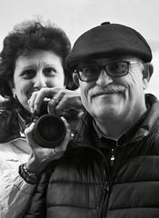 Paseando por Guadalajara .Pura coincidencia. (elena m.d.) Tags: people selfie flickr monocromo bw bn gente retrato new nikon d5600 sigma sigma105 guadalajara elena