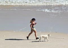 Friends (carlos_ar2000) Tags: playa beach paseo walk mar sea chica girl mujer woman beauty bella sexy verano summer perro dog mascota pet footing linda pretty gorgeous runner puntadeldiablo rocha uruguay