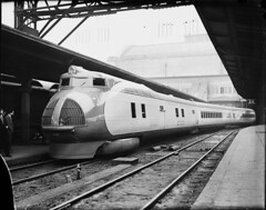 Union Pacific M-10000 Streamliner in 1934, Library of Congress image (jsmatlak) Tags: up union pacific streamliner m10000 train railroad art deco