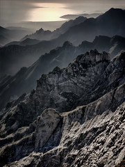 Ridges (Arunte) Tags: arunte marcofrancini alpiapuane mare montagna creste tramonto puntaquesta toscana italia montespallone montemaggiore carrara canaledeiprataccetti valledeglialberghi torrionefigari geologia