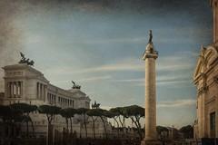Scorci  romani... (Renato Pizzutti) Tags: lazio roma vedutadiroma vittoriano altaredellapatria colonna chiesadiroma nikond750 renatopizzutti