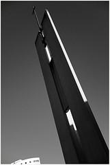 Berlin, Kirche Falkenberger Chaussee - Glockenturm (tom-schulz) Tags: x100f rawtherapee gimp monochrom bw sw frame rahmen berlin thomasschulz kirche glockenturm kreuz