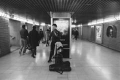 Il violinista (sirio174 (anche su Lomography)) Tags: canonav1 ilfordhp5800 canonfdn2428 violinista violino violin musica music artistadistrada streetartist metropolitana subway underground milano milan italia italy