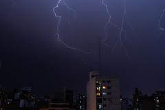 DSC_5138 (gabrielvalerio@live.com.ar) Tags: tormenta rayo rayos truenos relampagos luz lluvia noche thunderbolt thunder flash lightning storm light rain night rosario argentina