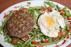 fullsizeoutput_ec70 (Fan Majie 範瑪姐) Tags: food burger egg salad
