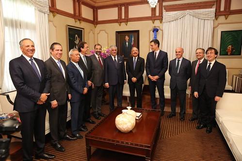 Presidente Danilo Medina se reúne con homólogo español, Pedro Sánchez; fortalecen lazos de amistad y cooperación