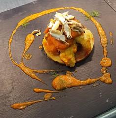 Filetti di dentice su letto di patate e caponata di verdure, crudità di porcini e salsa di jalapeño e finocchietto (Cudriec) Tags: caponata chef dentice funghiporcini jalapeno