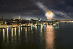 Venice - Italy (Joao Eduardo Figueiredo) Tags: venice italy venezia italia newyear fireworks canals gondola gondolas nikon nikond850 d850 joaofigueiredo joaoeduardofigueiredo joão joao eduardo figueiredo boats water boat